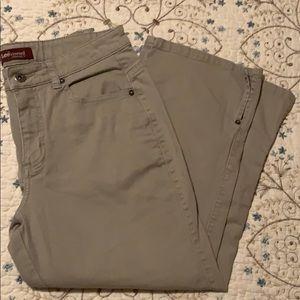 Lee riveted women's Capri pants